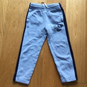 Used gap toddler sweatpants. Size 4T